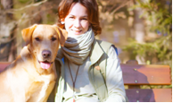 Angela Winkler mit Retriever c)BettinaBodner
