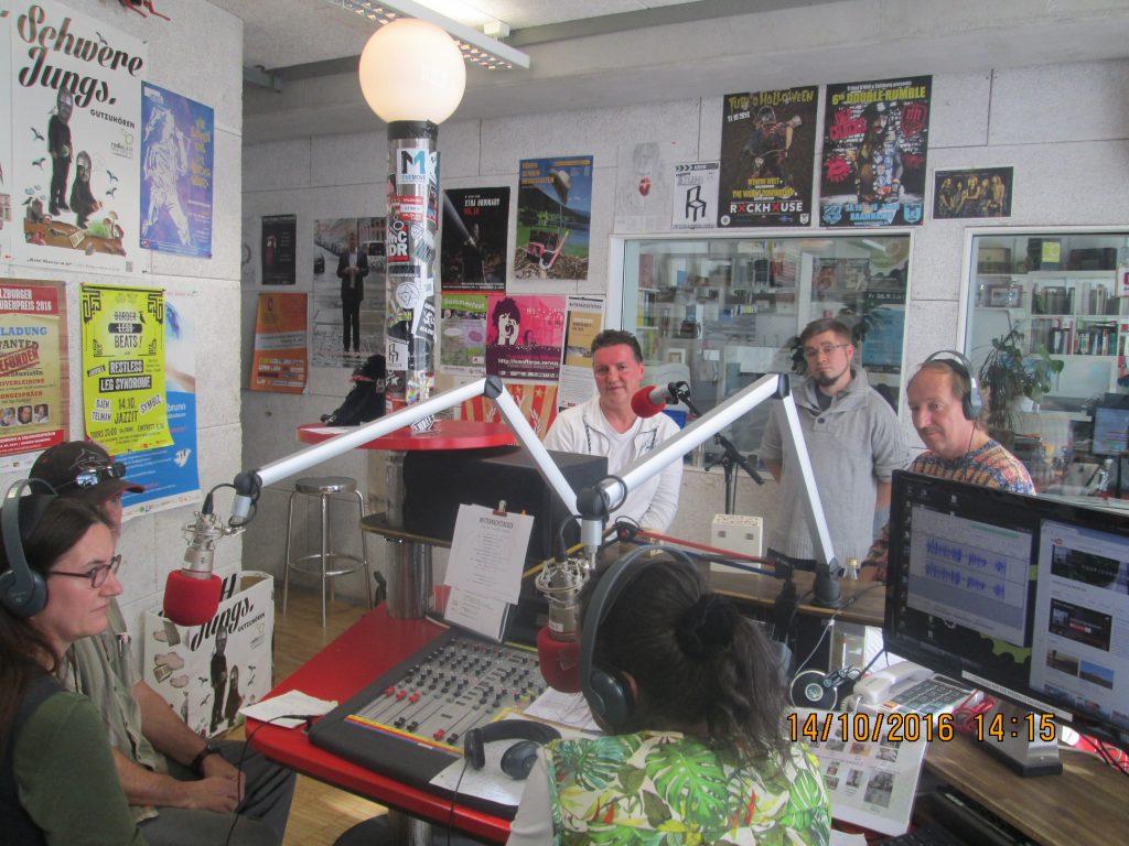 Die Studiogäste ( v.l.) Bianca Holzbecher. Thomas Bandsch, Marcel Sweet, Frank Scheffler; Copyright bei den Sendungsmachern