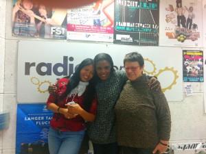 Fatma mit unseren Studiogästen Anna und Luise