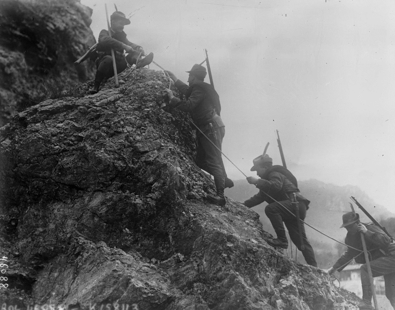 Italian Alpini in 1915 (Bibliothèque Nationale de France)
