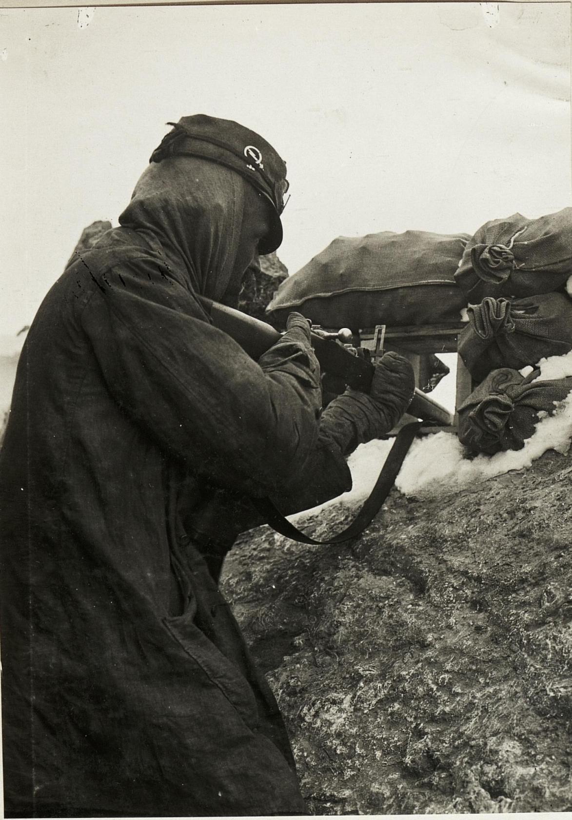 Austrian soldier on the Ortler, September 1916 (Österreichische Nationalbibliothek)